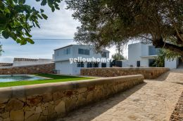 Classic - modern property with guest house and pool...